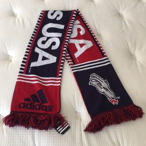 BRAND NEW WITH TAGS Men ADIDAS USA CHIVAS SCARF